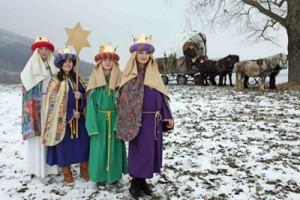 Sternsinger aus Schörfling bei den drei Birken am Birkenhügel mit Alois Nagl und seinen Ponys