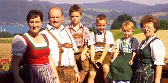 Hannes Seiringer mit seiner Familie